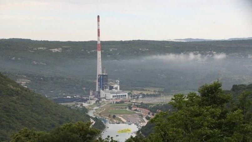 HEP: Bijeli dim iz dimnjaka TE Plomin nema utjecaja na okoliš i zdravlje ljudi