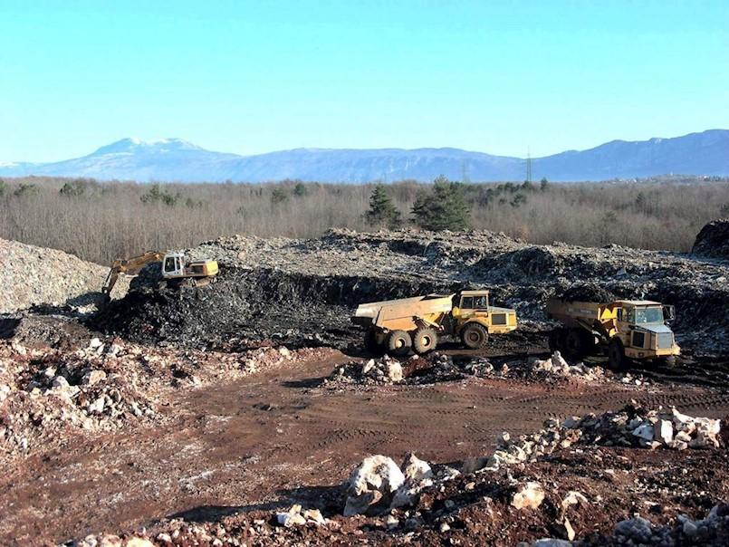 Nedešćina: Općina nema komunalnog redara koji bi kažnjavao one koji bacaju smeće