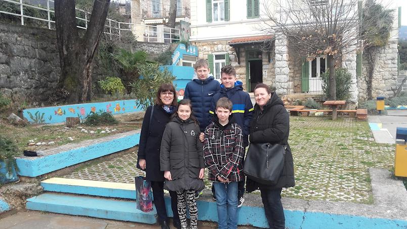 """Učenici OŠ""""Ivo Lola Ribar"""" posjetili Dječji dom """"Ivana Brlić - Mažuranić"""" u Lovranu"""