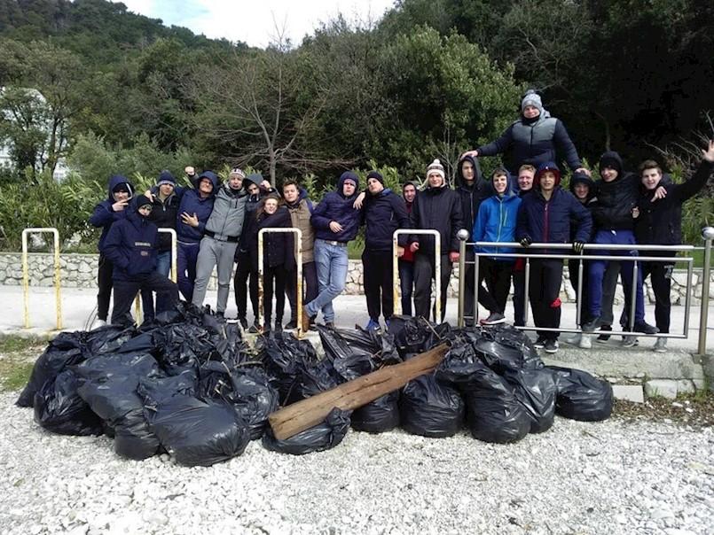 Završena EKO-AKCIJA 2018. elektrotehničara i elektromehaničara labinske Srednje škole na rabačkim plažama