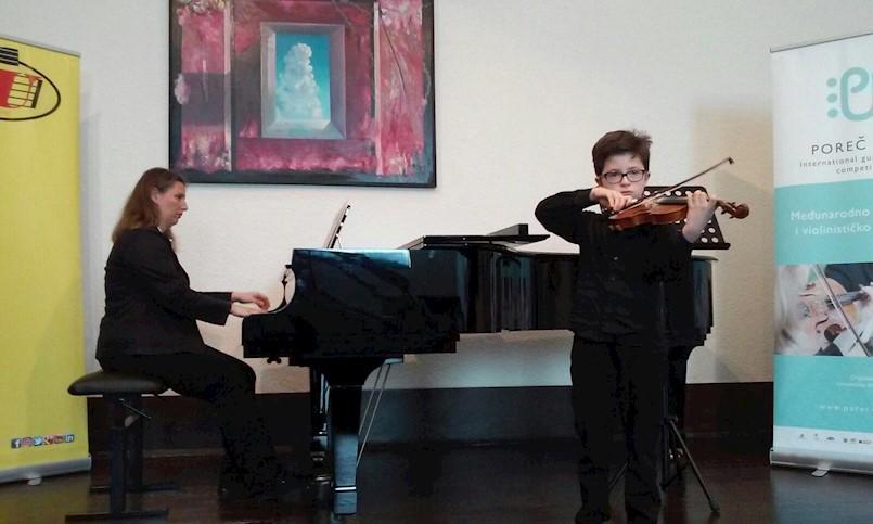 """Učeniku UŠ M.B.Rašana Teu Buždonu druga nagrada na 9. međunarodnom gitarističko-violinističkom natjecanju """"Poreč Fest"""""""