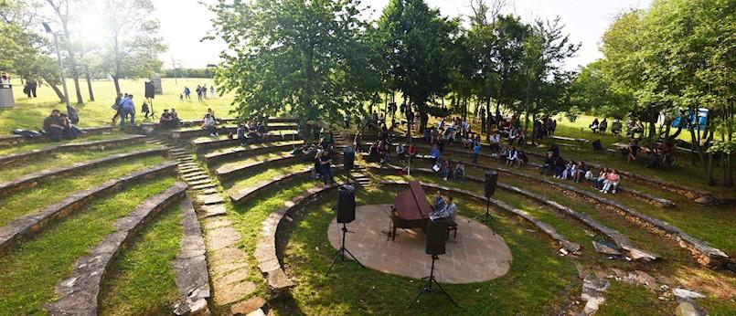 U Parku skulptura na Dubrovi održan 2. Klavirski maraton