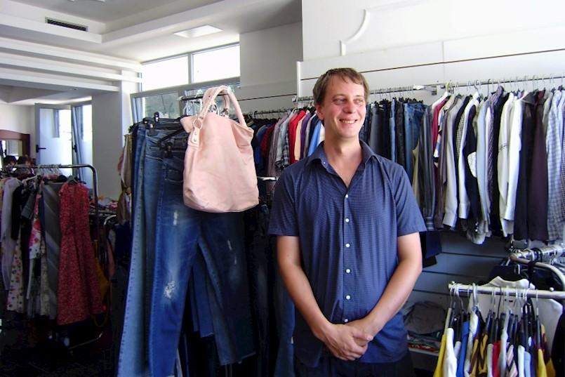Otvorena prva Humana Nova Istra trgovina rabljene odjeće