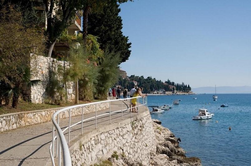 Ovogodišnji lipanj po broju turističkih noćenja malo lošiji od lanjskog