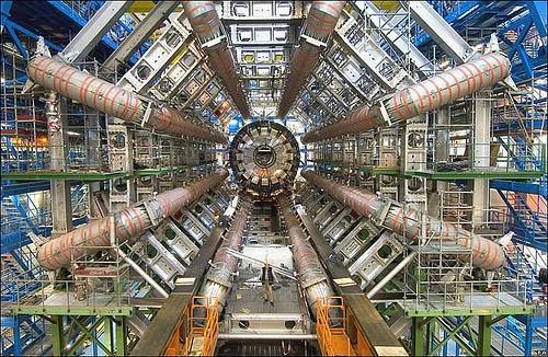 LHC srušio teoriju supersimetrije