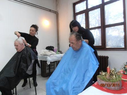 [Humanost na djelu] Ususret blagdanima nove frizure štićenicima Doma u Nedešćini