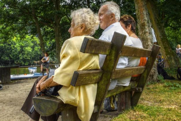 Umirovljenici u južnoj Europi prisiljeni pomagati djeci da prežive