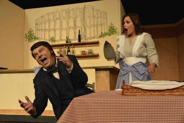 Predstava `Oštarica Mirandolina` Istarskog narodnog kazališta u četvrtak 24. 07. 2014. na labinskoj Fortici
