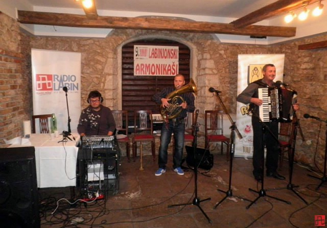 "Večeras 10. susret harmonikaša ""Labinjonski armonikaši"""