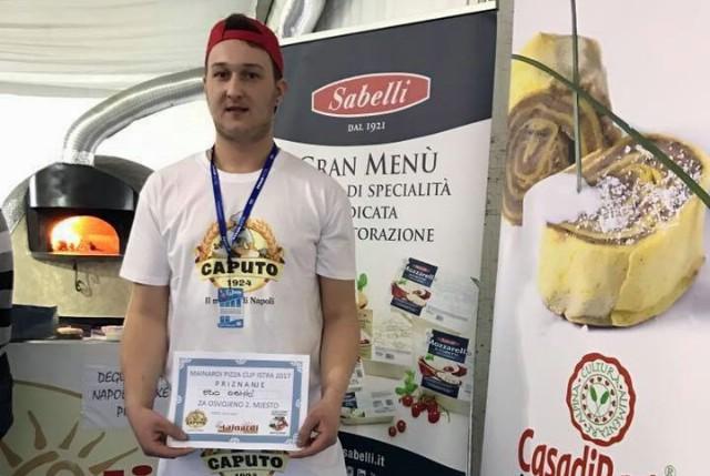 Edo Osmić iz Pizzerije Napoli drugi na Otvorenom prvenstvu Istre za najboljeg pizza majstora