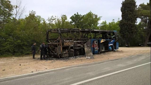 Kraj Plomina izgorio autobus na liniji Zagreb - Rovinj