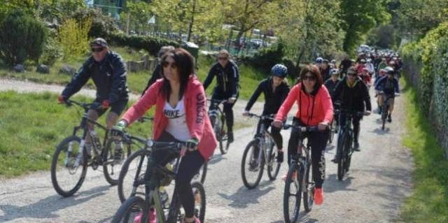 Tristotinjak biciklista krenulo s Dubrove