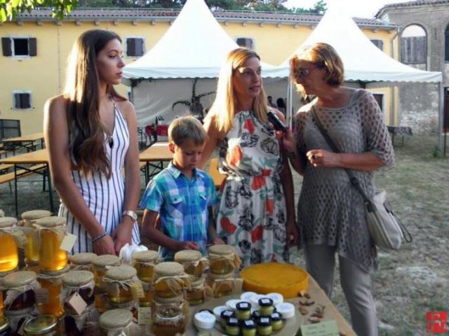 Mnoštvo posjetitelja uživalo na 15. Fešti vina i turizma u Svetom Martinu