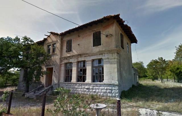 Nakon reakcije Darka Martinovića odgođena odluka o prodaji stare školske zgrade u Ripendi