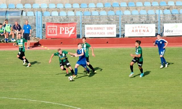 Nogomet: Loš dan Kovara, bivši prvak države zabio pet komada ZAGREB – RUDAR 5:0 (3:0)
