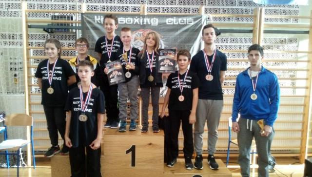"""Mešunarodno kickboxing natjecanje """"Slunj-2017."""": Labinjanima  12  medalja i 2 trofeja za najuspješnijeg natjecatelja"""