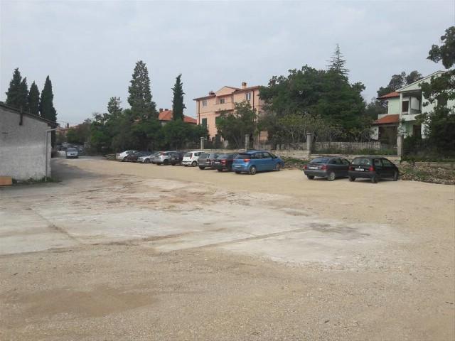 Privremeno parkiralište za građane osigurano u podnožju Staroga grada