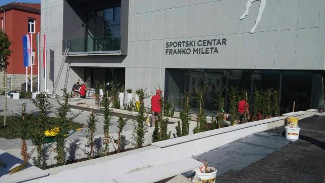 "Hortikulturno uređenje ispred velike dvorane SC ""Franko Mileta"""