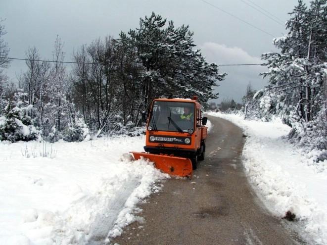 Objavljen Operativni plan zimske službe 2017./2018. Grada Labina 24 satno dežurstvo - popis kontakata