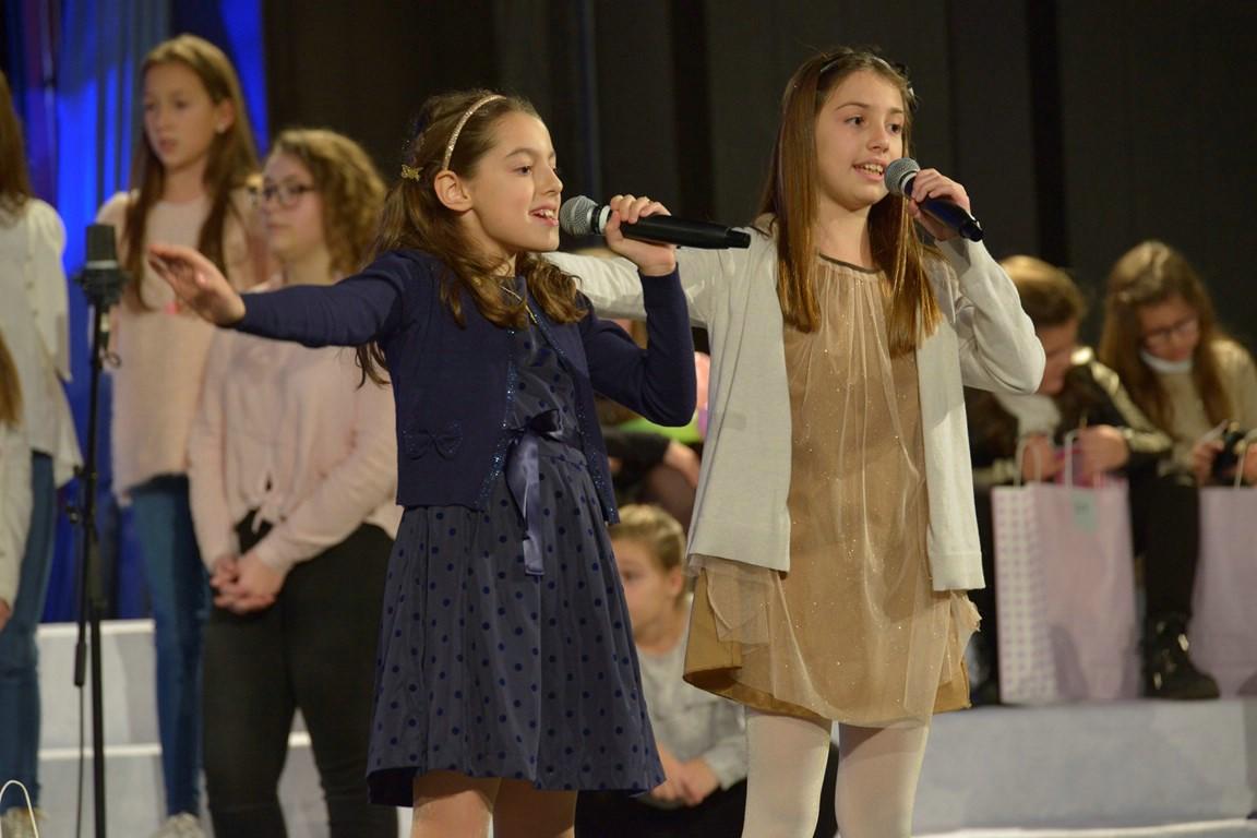 Na festivalu dječje pjesme `Voci nostre`Paula Sušilo i Viktorija Hrvatin iz Zajednice Talijana Labin osvojile drugo mjesto