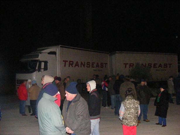 Spontana okupljanja ispred tvornice Rockwool se nastavljaju : ili mi ili Rockwool - najavljene sudske tužbe protiv prosvjednika