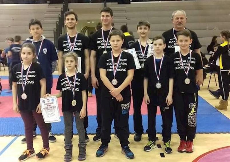 Labinski kickboksači osvojili 10 odličja i jedan pehar na međunarodnom natjecanju u Zaboku