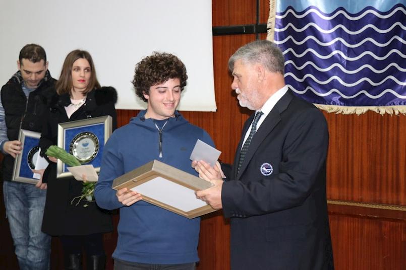 Priznanje HSSRM-a Dilanu Mileti za najuspješnijeg ribolovca u 2017. godini i DSRŠAV Galebu za 40 godina postojanja