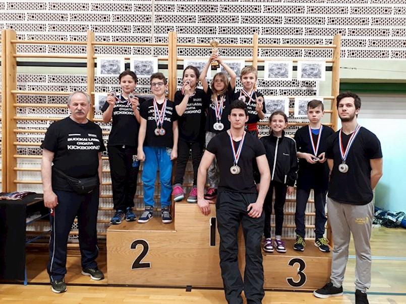 Labinjanima 15 medalji i 2 pehara na Internacionalnom memorijalnom kickboxing turniru u Slunju