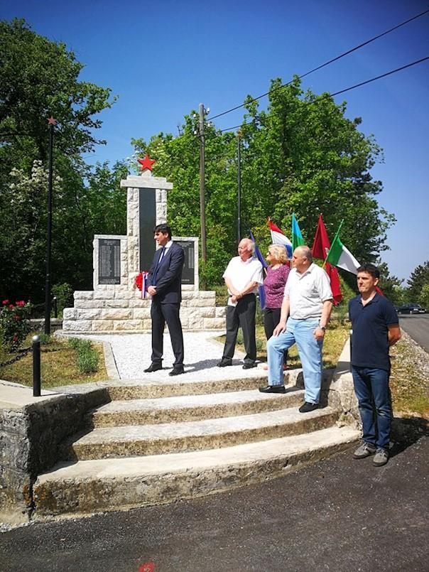 Polaganjem vijenca svečano obilježena 73. obljetnica Dana oslobođenja Labinštine