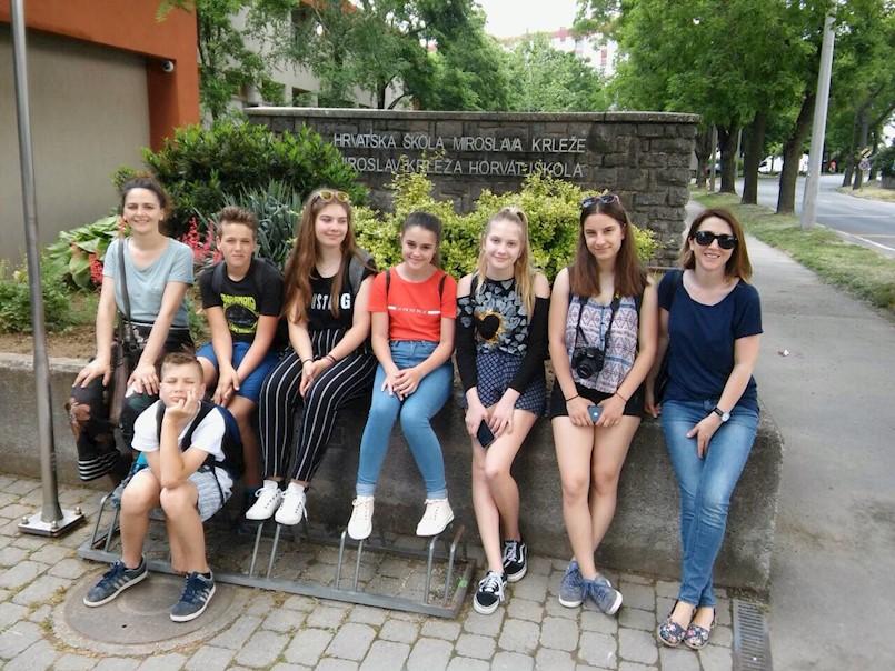 """Učenici OŠ""""Ivo Lola Ribar"""" posjetili mađarski grad Baju"""