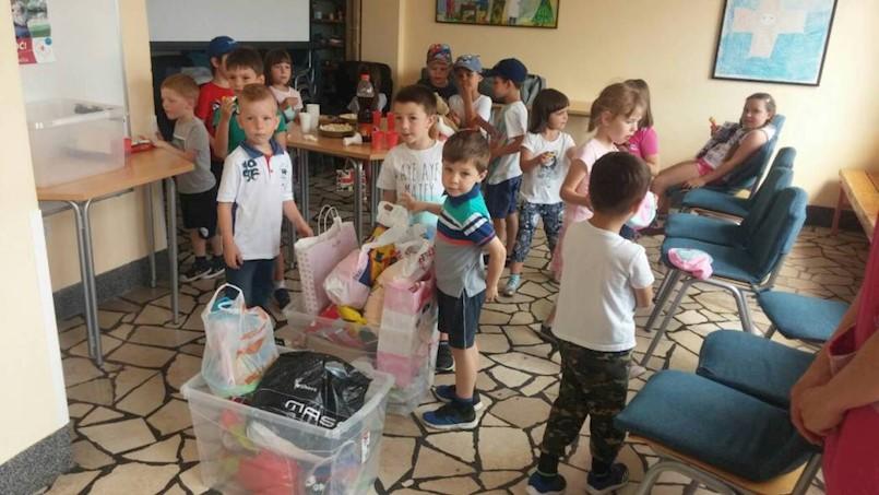 Mali humanitarci iz Dječjeg vrtića Pjerina Verbanac posjetili labinski Crveni križ