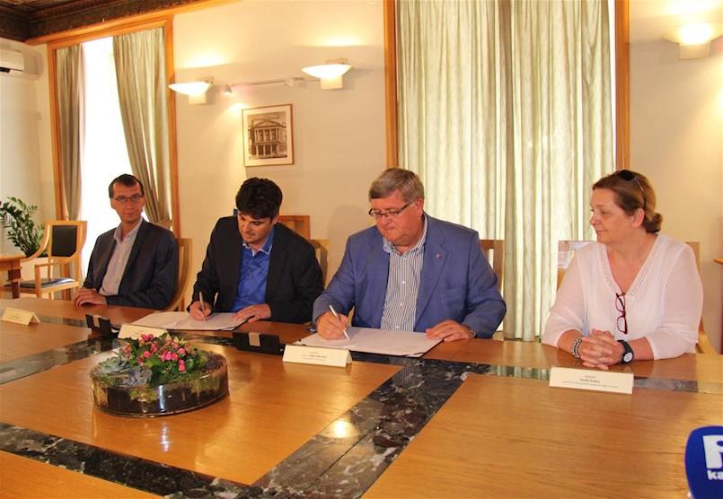 Gradonačelnici Labina i Rijeke potpisali Sporazum o suradnji na provedbi izvannastavne aktivnosti Građanski odgoj i obrazovanje