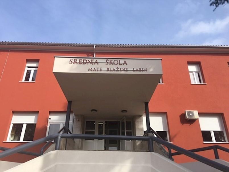 U prvi razred Srednje škole Mate Blažine može se upisati 136 učenika