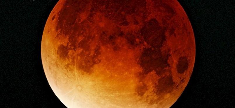 Ne propustite astronomski događaj godine: U petak slijedi najduža pomrčina Mjeseca ovog stoljeća