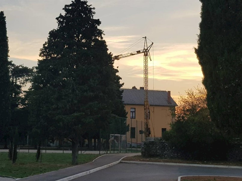 Započela obnova krova škole na Vinežu