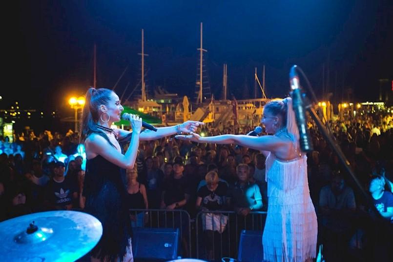 Detour i Abba Tribute Bend ovaj tjedan sviraju za publiku u Labinu i Rapcu