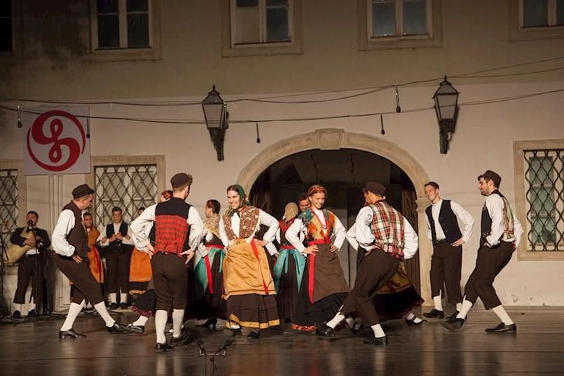[VIDEO] KUD Zlatela iz Kršana na međunarodnim smotrama folklora u Zagrebu i Livnu