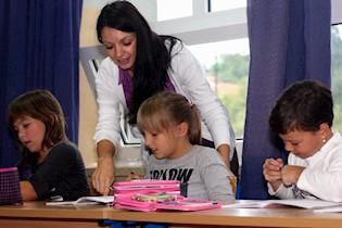 TRAŽI SE 49 pomoćnika u nastavi za škole u Labinu, Pazinu, Poreču, Rovinju i Umagu