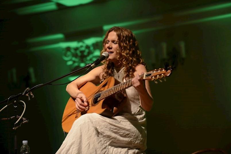 Elis Lovrić iz Labina predstavlja album u Brazilu