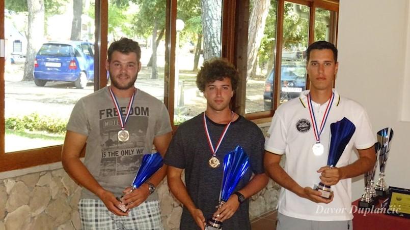 Dilan Mileta (DSRŠAV Galeb Raša) je međužupanijski prvak u ribolovu (U21) štap s obale