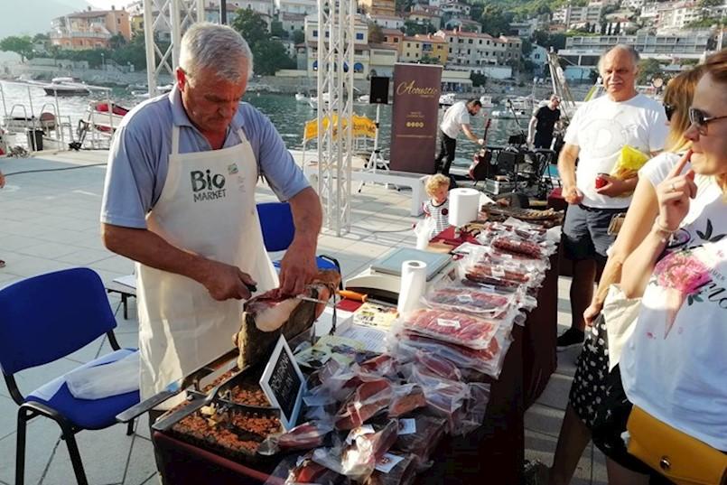 Na Rabačkoj rivi održan 6. Bio Market
