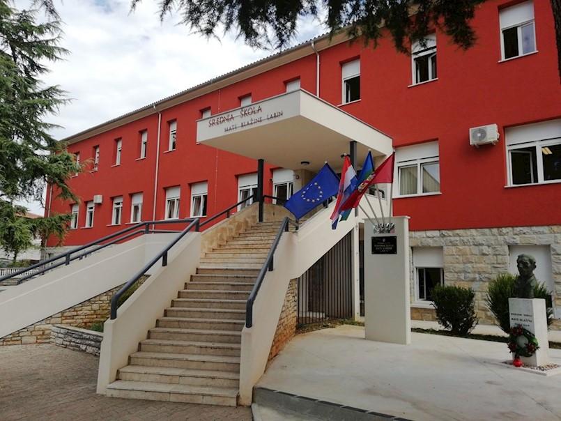 NAKON 70 GODINA srednja škola Mate Blažine zasjala u punom sjaju, onom estetskom i funkcionalnom