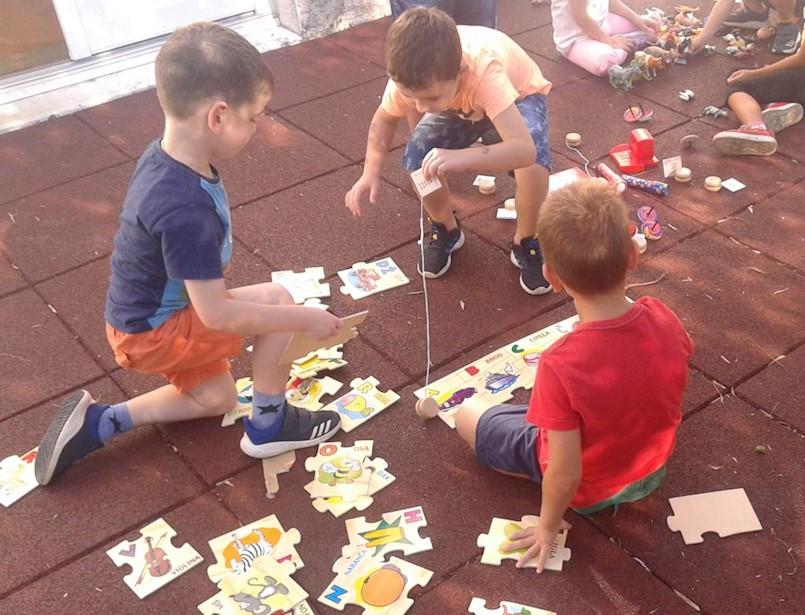 Antistres podloge za sigurniju igru mališana u raškom dječjem vrtiću