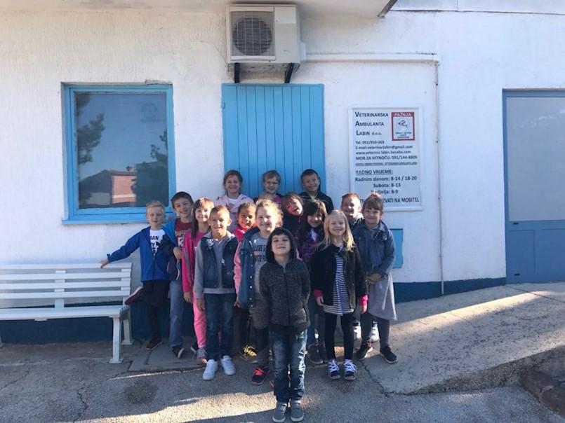 Posjet veterinarskoj stanici učenika OŠ Ive Lole Ribara povodom Međunarodnog dana zaštite životinja