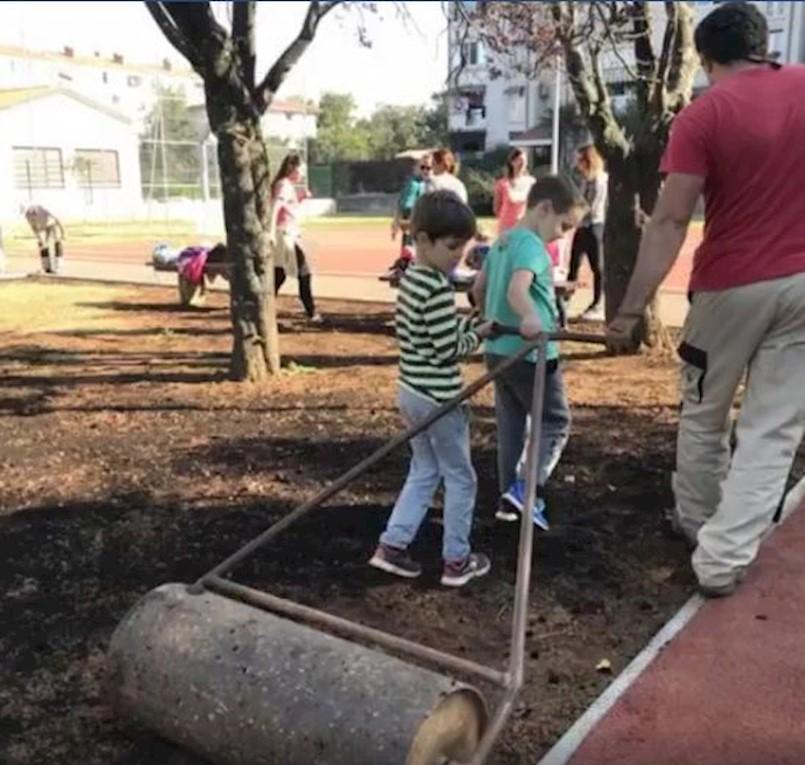 MO Kature organizirao sadnju bilja oko novouređenog igrališta