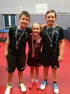 Prvi otvoreni turnir IŽ u stolnom tenisu: Sari Bernaz dva zlata, Leu Bernaz zlato i Josipu Gripariću srebro
