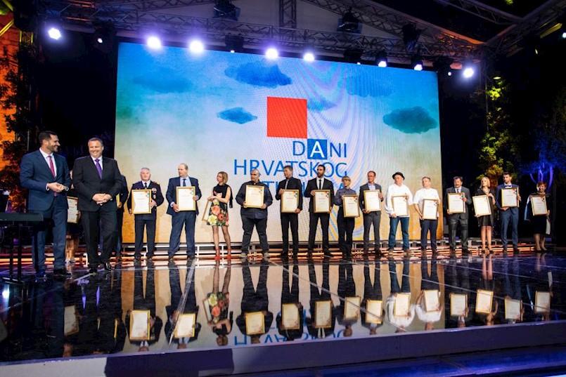 Dodijeljene nagrade na Danima hrvatskog turizma - Girandella Sundance Sandy Family u Rapcu plaža godine