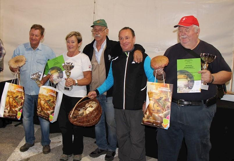 Labinjani ubrali najveću glivu na danima gljiva u Brtonigli