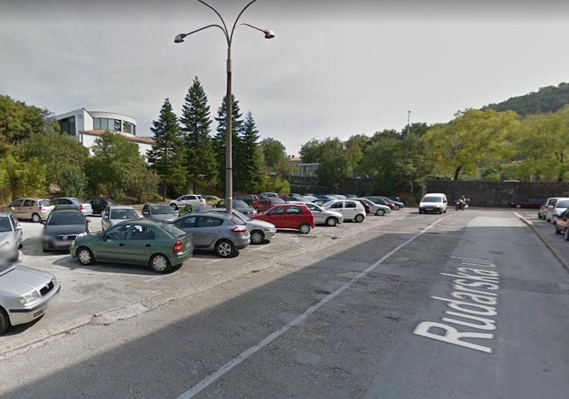 Neće se graditi dvoetažno parkiralište ispod Fine