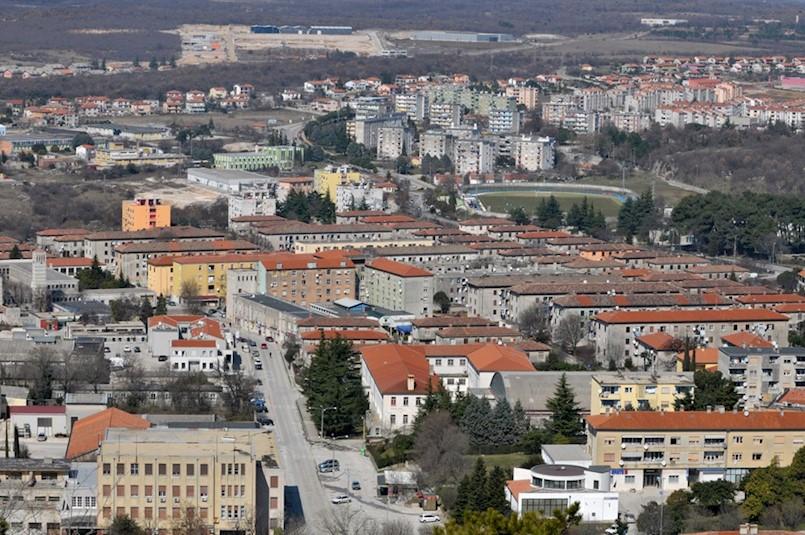 Gradsko vijeće Labina: STIŠĆU REMEN I ŠTEDE NOVAC Novim rebalansom proračun smanjen za 9,2 milijuna kuna